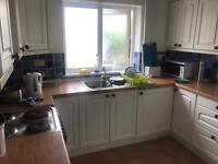 Single box room in student house share for £250 inc bills