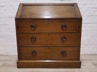 Solid Oak Writing Bureau (DELIVERY AVAILABLE FOR THIS ITEM OF FURNITURE)