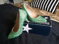 Wow! Genuine Swarovski crystal shoes in irridescent turqoise. Size 4