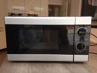 Tesco Solo Microwave Oven 17l black silver