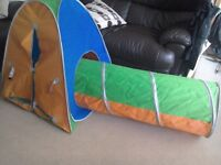 Pop up Play tent and tunnel Folds compact to store Excellent condition Children's den indoor play
