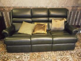 SHERBORNE FULL LEATHER GREEN 3 SEATER & 2 RECLINERS (ONE ELECTRIC RECLINER/RISER) AS NEW!