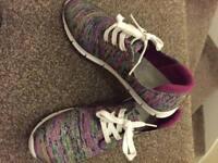 Lotus trainer shoe