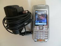A NICE CLASSIC A NICE RARE SONY ERICSSON K700I MOBILE PHONE WITH CHARGER , MINT