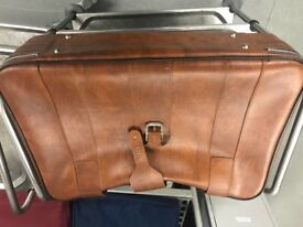 Leather retro suitcase