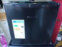 Work top fridge - Russell Hobbs