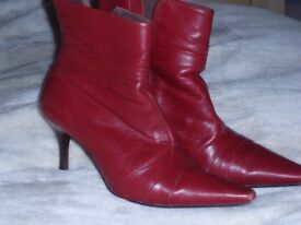 Cherry red boots used size 7 (other items)