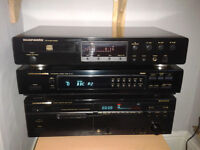 Marantz CD5400 CD Player ( no remote ) looks awesome plays great