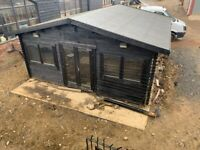 Large Garden Shed / Outbuilding
