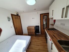 Smart Studio flat near Vauxhall/Oval tube incl all bills except Council tax and Elec .
