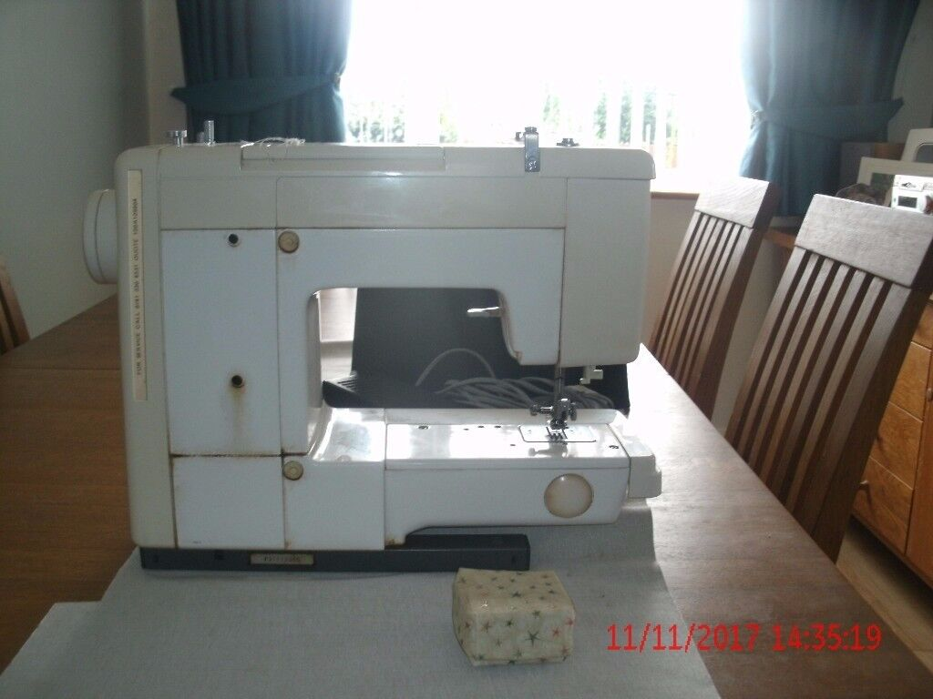 Table Top Sewing Machine