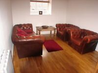 city centre 3 bedroom flat to rent for festival period. Drummond Street.