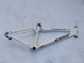 Cove Foreplay MX Dirt Jump / 4x frame White, size Regular