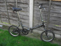 Folding bike Apollo unisex cycle ideal to use on trains
