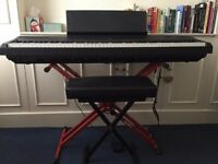 Digital Yamaha piano P-115