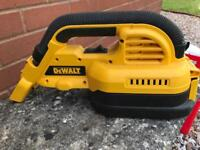 DeWalt DC515 handheld wet/dry vacuum