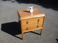 Super Clean Small Oak 50's 60's Era Chest Of Drawers