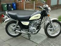 Lexmoto vixen 125cc 125cc cruiser 125cc motorbike