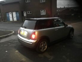 MINI COOPER 3 DOOR HATCHBACK DIESEL 2005 YEAR GOOD CONDITION INSIDE OUT