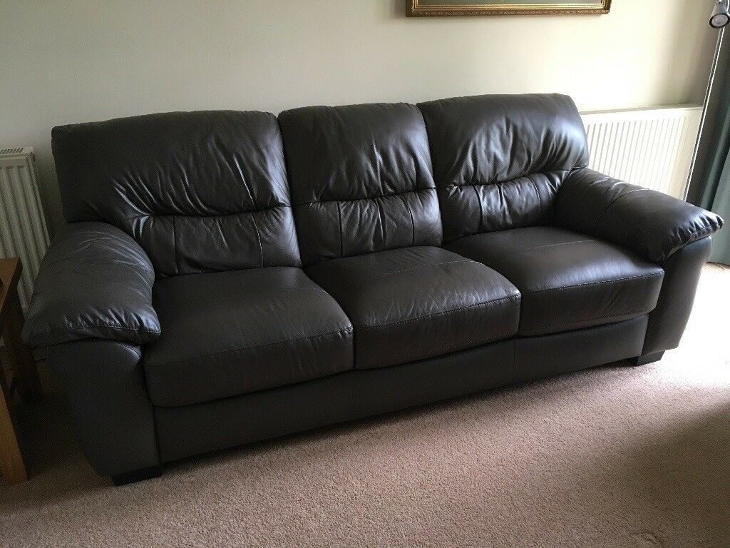 3 Seater Brown Leather Sofa & a Matching Recliner Chair, Immaculate Condition