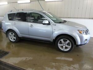 2007 Mitsubishi Outlander XLS, Heated Leather Seats, Sunroof, 7