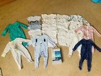 Baby bundle sleeping suits & grows 6-9 months in excellent condition (some are brand new*)