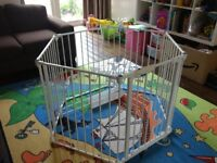 Lindam Safe & Secure Metal Playpen / Room Divider / Gate