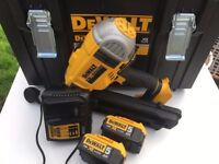 DeWalt DCK264P 18V XR Brushless Nailer 90mm