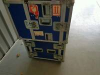 Heavy duty flight case. Can be opened top and bottom
