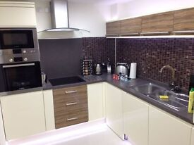 COMPLETE FLAT RENOVATION, BATHROOMS, WET ROOMS AND KITCHENS - HIGH STANDARD