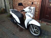 2015 Honda SH 125 MODE automatic scooter, free leg cover, new front tyre, very good runner, not pcx,