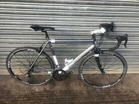 Kinesis Racelite TK2 Road Bike. Campag Group set, Free Lock, Lights, Delivery