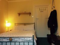 Furnished room to let for four month in friendly, professional house