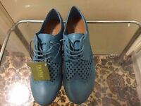 Brand new hotter leather shoes in very good condition
