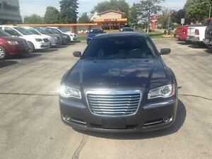 2013 Chrysler 300 Touring *LEATHER HEATED SEATS* Kitchener / Waterloo Kitchener Area image 6