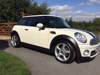 MINI COOPER HATCH WITH FULL BMW SERVICE HISTORY AN NEW MOT