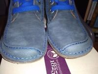 CLARK'S NEW SUEDE, LACE UP SHOE, SIZE 5 WIDE FIT D, STILL BOXED