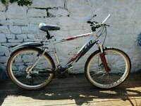 Saracens Ruftrax 2 Mountain bike