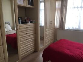 FEMALE Household - Double Room Single occupancy - £120 PWEEK - Close to shops, transport