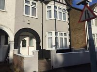 4 TO 5 BEDROOM SEMI DETACHED HMO HOUSE TO LET IN UXBRIDGE FOR £1800