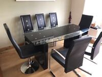 Maskrays large funky glass dining table extendable