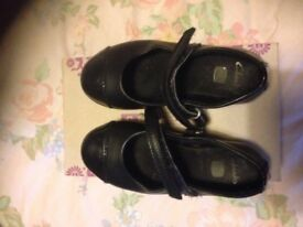 Girl's shoes size 8.