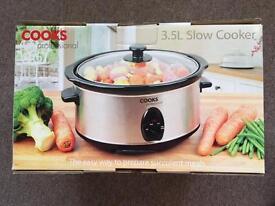 BNIB Cooks Professional 3.5L Slow Cooker