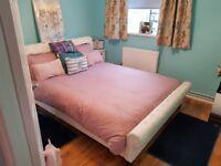Selling very well presented 2 bedroom flat