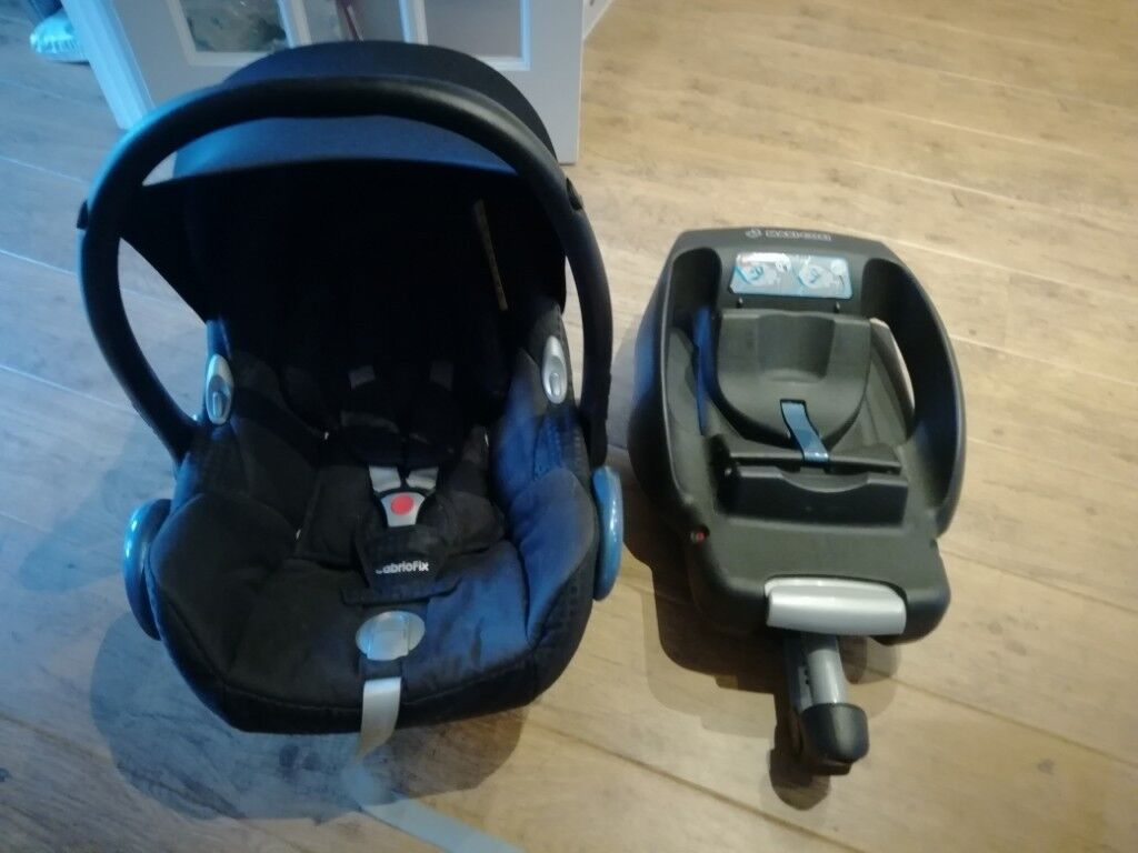 Maxi Cosi Cabriofix Baby Car Seat And Isofix Base In Excellent Condition For Sale