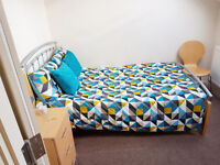 *NO AGENCY FEES TO TENANTS* AVAILABLE NOW - Modern double bedroom is friendly house share