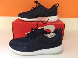 Brand new - Womens Nike Roshe one trainers - Navy Size 3 UK