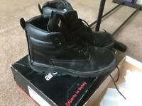Mens work boots brand new in box size 11