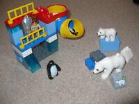Duplo lego Polar bear zoo set - rare.