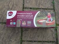 ***NEW IN ORIGINAL BOX*** PLUM TREASURE BEACH WOODEN SAND PIT